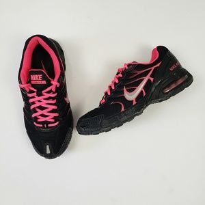 Nike | Black & Pink Air Max Tennis Shoes